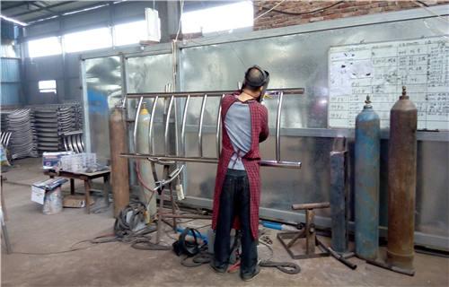 三亚不锈钢碳素复合管零售价格