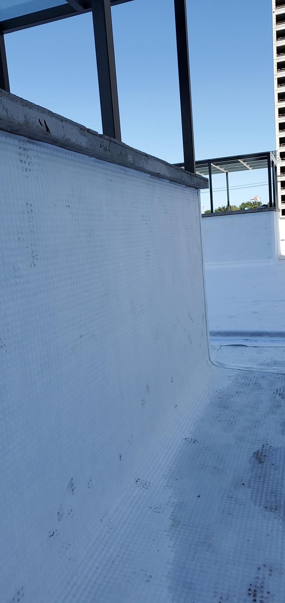 今日报价三亚14厚高分子防护排水异型片网状交织排水层