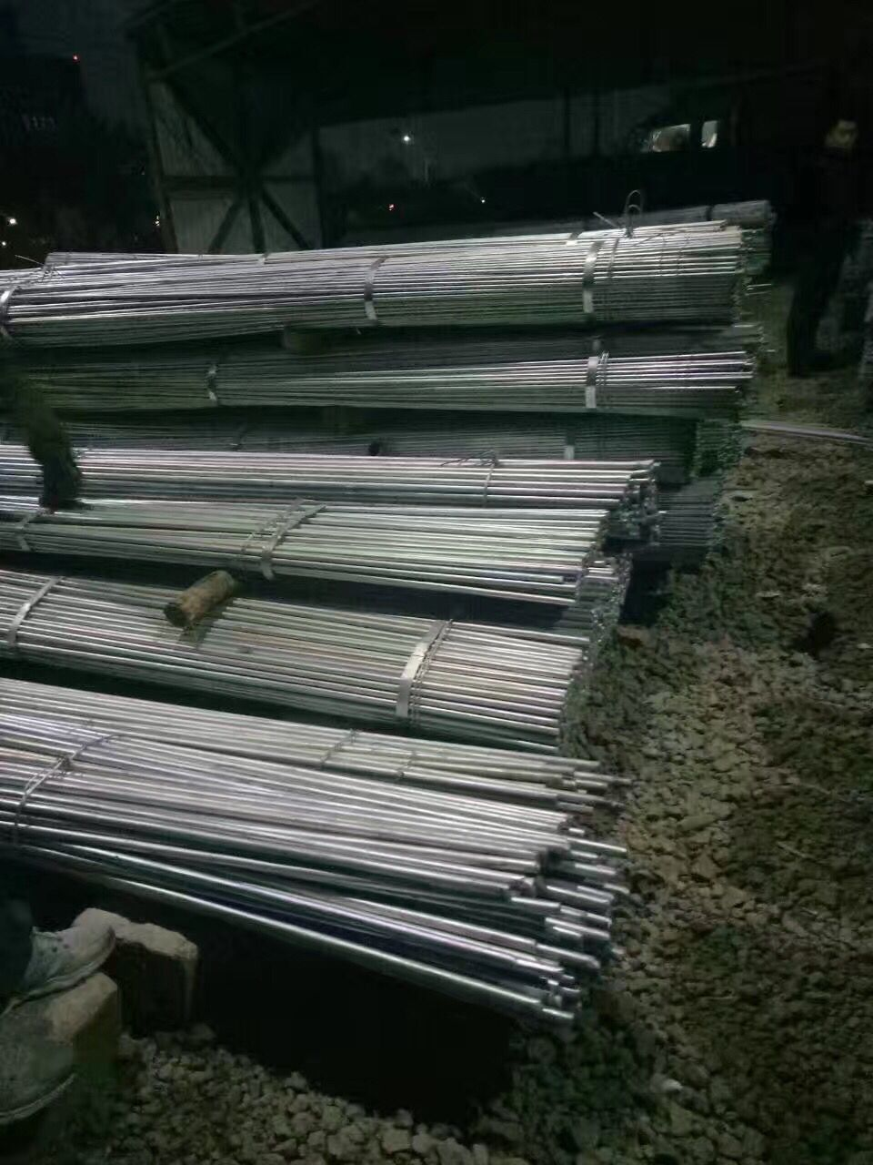 新疆热轧H型钢/q235价格厂家现货