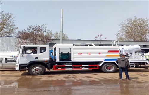 许昌时风10吨工地洒水车在哪里订购
