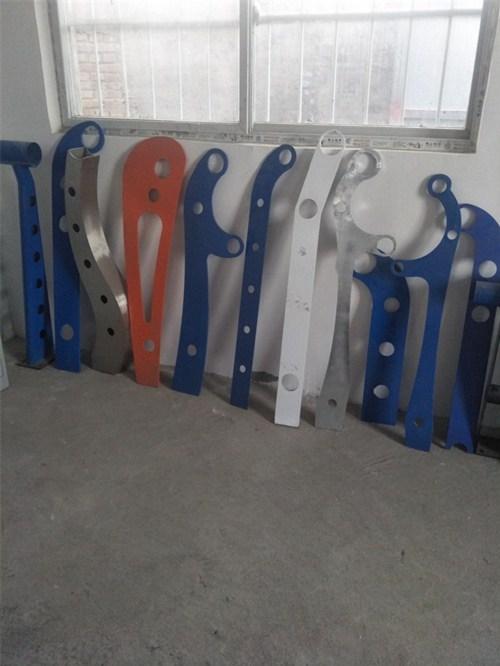 宜宾不锈钢玻璃护栏厂家销售