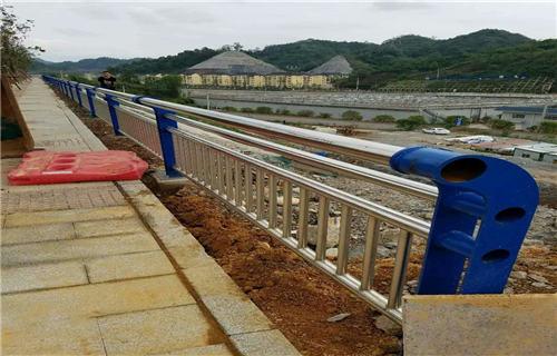 广州机动车非机动车隔离栏杆咨询电话多少