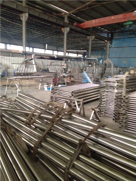 陕县不锈钢碳素钢复合管栏杆种类齐全