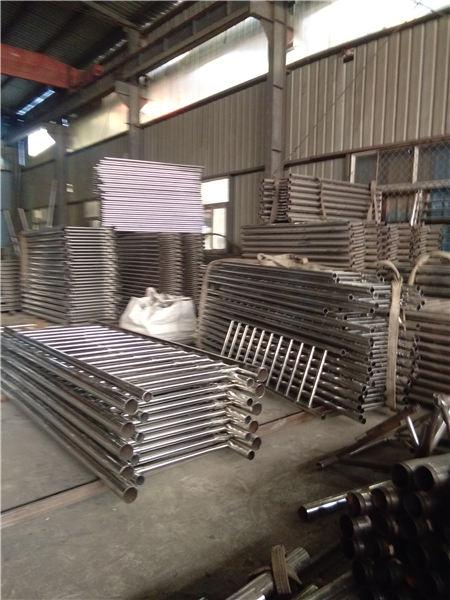 唐河不锈钢碳素钢复合管栏杆品质保障