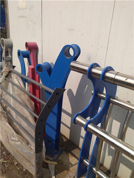 铜陵河道防护不锈钢栏杆安装方便