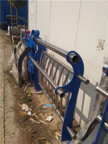 怀化河道防护不锈钢栏杆质量保证