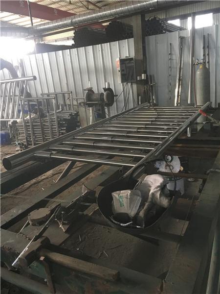 上海不锈钢道路护栏放心选择