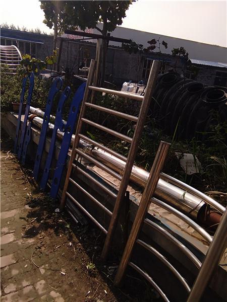 河南天桥观景不锈钢护栏种类齐全