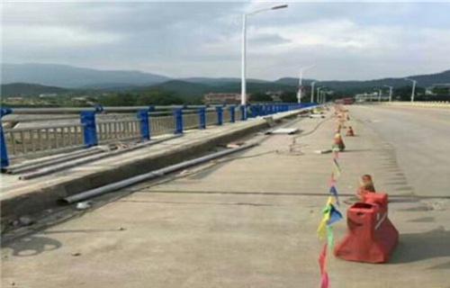 宜宾不锈钢复合管桥梁护栏质保十年