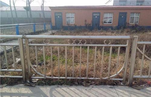 铁岭不锈钢桥梁景观护栏性能稳定