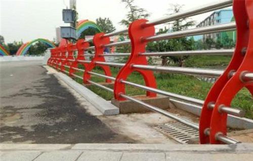 宜宾不锈钢碳素钢复合管栏杆专业设计