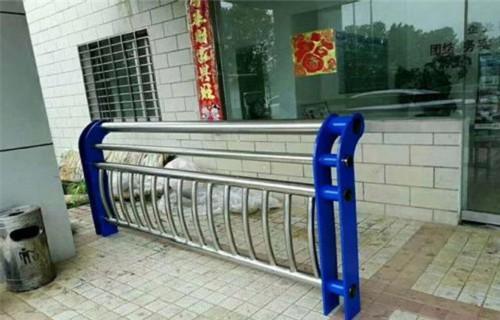 广州不锈钢复合管防撞桥梁护栏组装简单