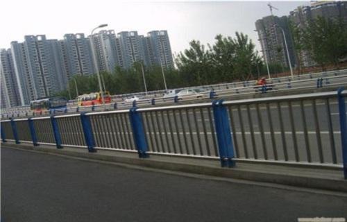 宜宾桥梁灯光护栏厂家直销