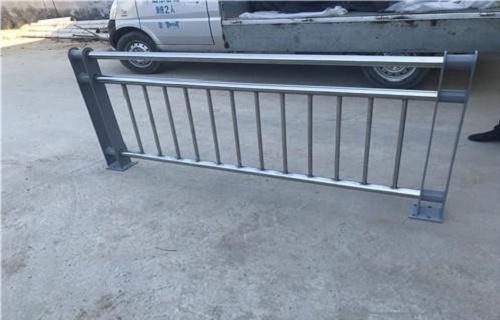 三亚Q235b钢板立柱每米多少钱