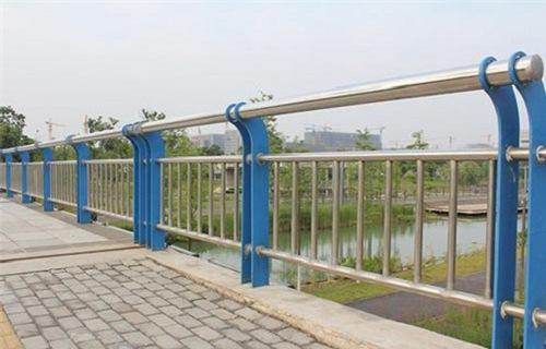 广州不锈钢复合管桥梁栏杆氩弧焊接