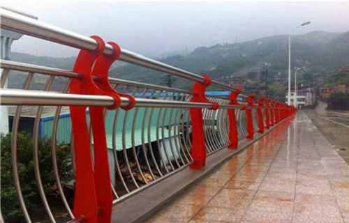 三亚不锈钢复合管河道护栏安装指导
