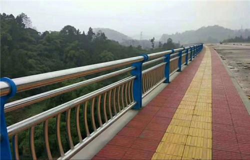 晋城不锈钢钢丝绳桥梁护栏优惠大酬宾
