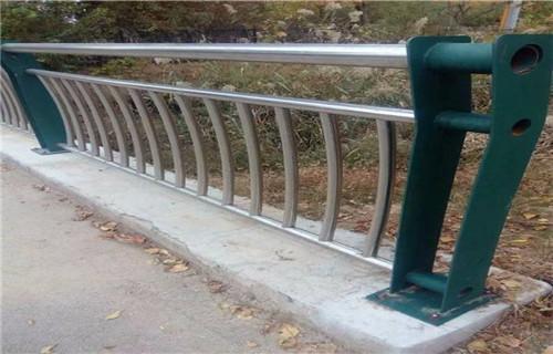 信阳不锈钢复合管护栏质量有保证