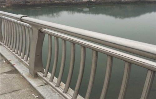 阿拉善不锈钢复合管护栏实时报价