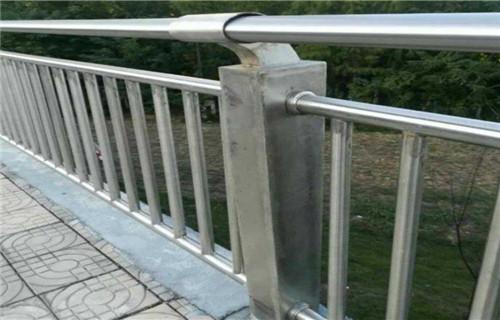 广州不锈钢防撞护栏高品质厂家