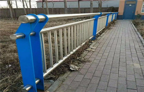 南阳不锈钢复合管护栏做工精细