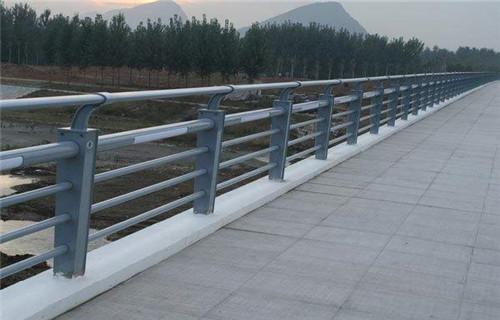 内蒙古不锈钢过街天桥护栏值得信赖
