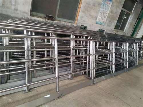丽水不锈钢复合管护栏厂厂价直销