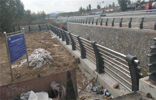 丽水304不锈钢复合管护栏安装指导