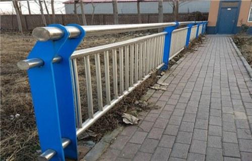 三亚不锈钢复合管道路护栏现货供应展翼