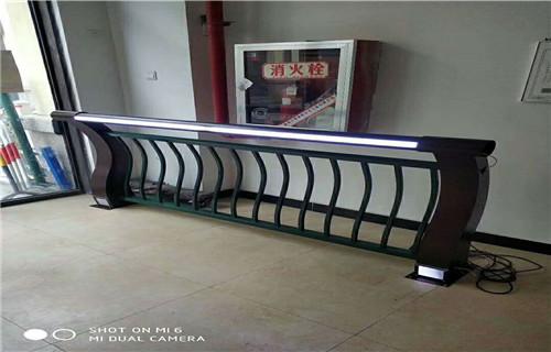 三亚河道灯光护栏现货供应灯光护栏