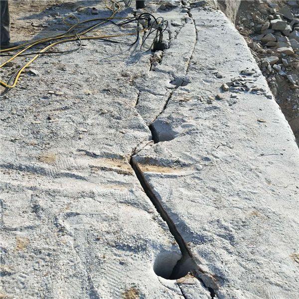 地基开挖钩机打不动的岩石怎么破裂漯河