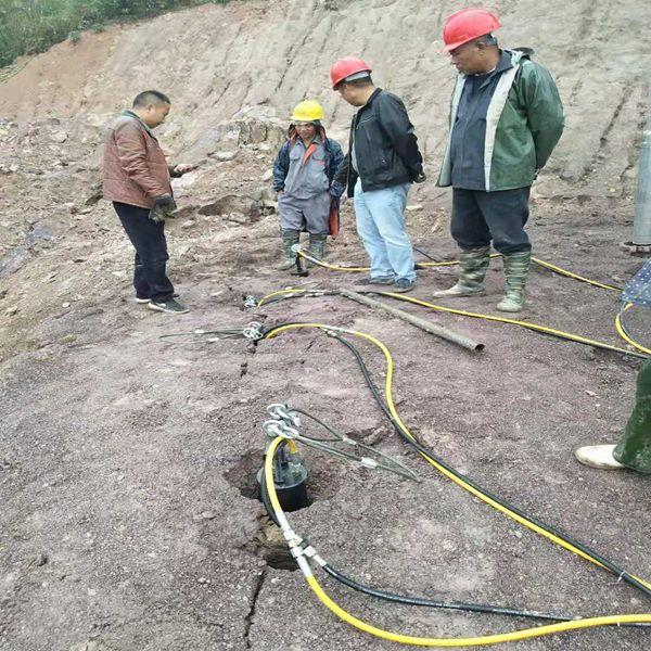 露天开采石头太硬挖机打不动怎么破宜宾